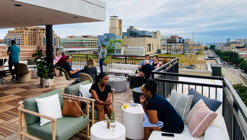 These hotel rooftop bars offer excellent - and very different - views of D.C.